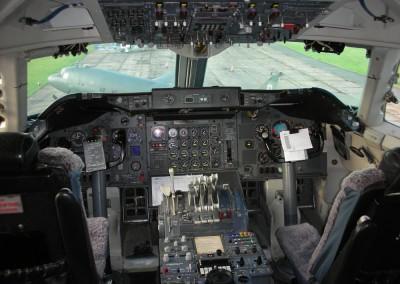 Boeing 747 Cockpit