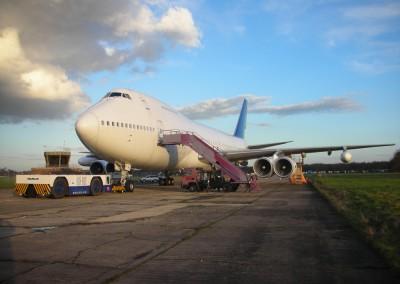 Boeing 747 exterior