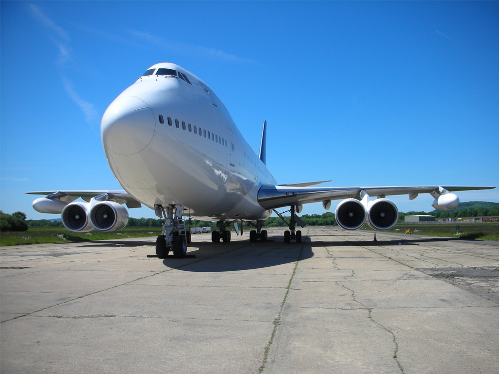 Dunsfold Boeing 747 exterior front